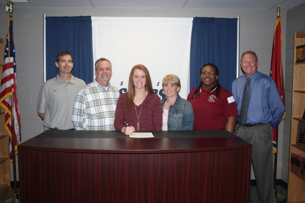 Rachel Tracy signs to play with Cumberland University.